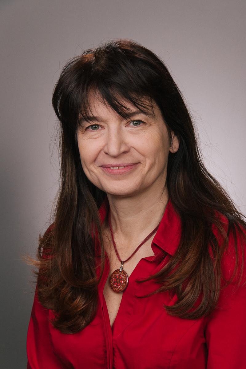 Kulányi Erika dr.